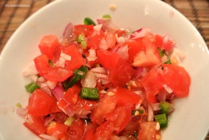 How to cook Pico de Gallo Salsa [Recipe]