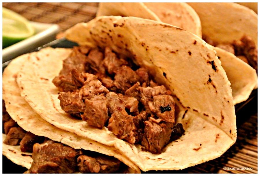 TACOS-BEEF-STREET-FOOD